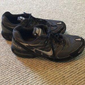 Nike Shoes - Nike Air tennis shoes. Men's size 10.